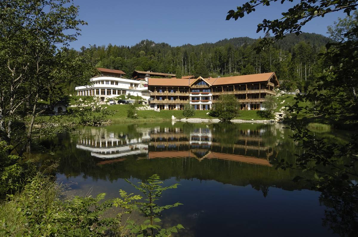 Ihr 4 sterne hotel in bayern hotel feuriger tatzlwurm for 4 sterne hotel dortmund